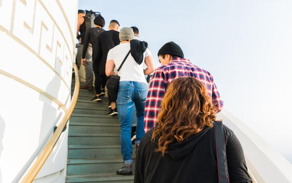 why waiting in line is a poor customer experience and deters customers from your dispensary